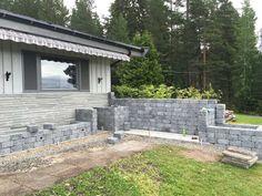 Slik bygger du utekjøkken   Asak Miljøstein Garden Furniture, Outdoor Furniture, Outdoor Decor, Tech House, Do Your Best, Sidewalk, Patio, Home Decor, Wall