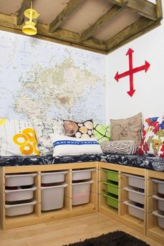 Hottest Images Best Cheap IKEA Kids Playroom Ideas for 2019 - ViraLinspirationS Ideas An Ikea children's room continues to intrigue the children, since they are offered much more than Kids Storage Bench, Kids Bench, Playroom Storage, Corner Storage, Tv Storage, Record Storage, Bedroom Storage, Storage Ideas, Ikea Kids Playroom