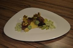tonijn | avocado | pistache | curry