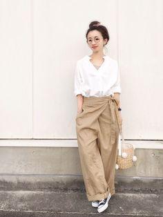 Cozy Fashion, Fashion Pants, Fashion Looks, Fashion Outfits, Womens Fashion, Tokyo Street Fashion, Japan Fashion, Trousers Women Outfit, Pants For Women