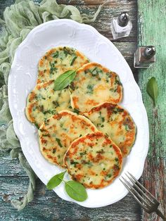 Spenótos krumplilángos - Kifőztük Quiche, Food And Drink, Meat, Chicken, Dinner, Breakfast, Dining, Morning Coffee, Food Dinners