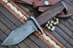 Item Code US13 Blade Length 4 inch Handle Length 4 inch Walnut Wood handle It comes withhandmade Leather