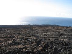 Randonnée, le Piton de la Fournaise les dernières coulées datant de moins de quatre mois (dec.2010)
