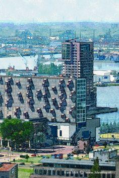 Het Lloydkwartier is een nieuwe Rotterdamse wijk die sinds het begin van deze eeuw is verrezen op voormalige haventerreinen.   Vanaf de jaren zestig nam de bedrijvigheid hier langzaam af omdat veel havenactiviteiten werden verplaatst naar nieuwere, westelijker gelegen havens.   Centraal in dit beeld is de naar een ontwerp van Mei architecten verbouwde Schiecentrale te zien. Daarachter zien we de Nieuwe Maas en een gebied waar de havenactiviteiten nog steeds aanwezig zijn: de Waalhaven.