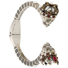 Alexander McQueen king and queen skull bracelet ($615) ❤ liked on Polyvore featuring jewelry, bracelets, metallic, grey jewelry, hinged bangle, alexander mcqueen jewelry, pearl jewelry and skull jewellery