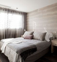 love the wall finish Pis Pedralbes 242