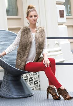 Like the red skinnier paired with leopard shoes! I wouldn't mind trying the fur trend but would prefer fur trimmed sweater or vest vs full fur. Red Pants Outfit, Fur Vest Outfits, Cute Outfits, Outfit Pantalon Vino, Fall Winter Outfits, Autumn Winter Fashion, Ponte Pants, Fashion Outfits, Fashion Scarves