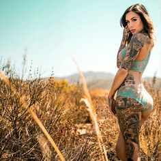 Amazing Tattooed Fitness Girls & Women Daily Pictures. Motivation... Inspiration... Beauty.