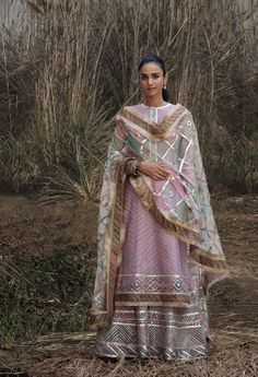 Rimple and Harpreet Narula 2018 Bridal Mehndi Dresses, Pakistani Wedding Outfits, Pakistani Wedding Dresses, Indian Dresses, Indian Outfits, Designer Suits For Wedding, Indian Designer Suits, Wedding Suits, Indian Attire