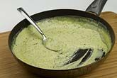 Cream Sauce There are very few things I love more than pesto. Pesto can only really be heightened by the additThere are very few things I love more than pesto. Pesto can only really be heightened by the addit Creamy Pesto Pasta, Pesto Ravioli, Ravioli Sauce, Pesto Pasta Recipes, Pasta Sauce Pesto, Fat Bombs, Salsa Marinara, Low Carb Recipes, Cooking Recipes