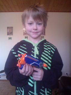 NERF-ase Leenalta Valtterille 10v-lahjaksi... <3