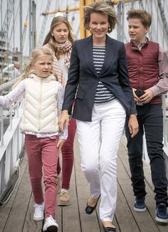 On July 1, 2017, King Philippe, Queen Mathilde, Crown Princess Elisabeth, Princess Eleonore, Prince Emmanuel and Prince Gabriel visited the Mercator sailing ship, in Oostende. The Mercator was the last in a series of five Belgian training ships. It's been a museum since 1961. In 1966 it was declared a protected monument.