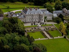 (TripAdvisor traveller) Best Castle Hotels In Europe: Castle Durrow, County Laois, Ireland-Castle Durrow was built in 1716 but only became a hotel in 1998 when the Stokes family bought and converted it and the hotel is now home to 46 luxurious guestrooms. Castle Hotels Scotland, Castles In Ireland, Hotel Housekeeping, Bahamas, Blue Books, Architectural Features, Holiday Time, Downton Abbey, What Is Like