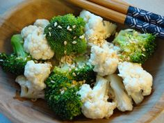 Recipe: Raw Broccoli and Cauliflower with Simple Asian Vinaigrette Healthy Salads, Healthy Smoothies, Healthy Cooking, Healthy Tips, Healthy Recipes, Healthy Food, Broccoli Cauliflower Salad, Raw Broccoli, Vinaigrette