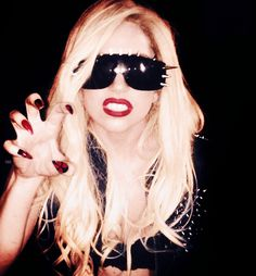 Paws UP!!!!!!!