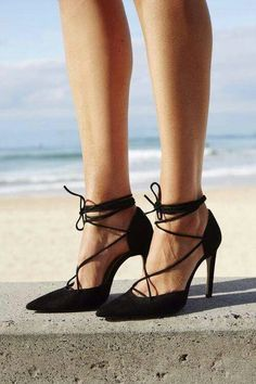 Black lace-up pump