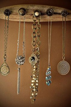 Schwemmholz Jewelry Holder [SOURCE]