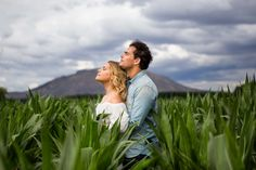 couples mountain, couples, preboda, preboda original, preboda ideas, preboda romantica,fotos novios,preboda en el campo, couples photography