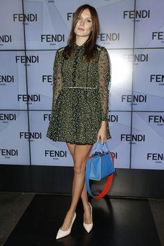 Ana Girardot en total look Fendi au défilé printemps-été 2016
