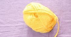 Jeg satt på jobb en dag før påska og strikka på mine vanlige sokker. Hu jeg jobba med hadde et mye mer spennende strikkeprosjekt! Hu strik... Knitted Hats, Beanie, Knitting, Fashion, Knit Hats, Moda, Tricot, La Mode, Knit Caps