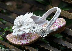 Kids Girls White Daisy Flower Flip-Flops Sandals