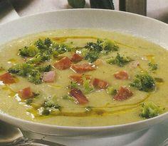 Receita de Sopa Cremosa de Brócolos - Este creme aveludado e cremoso confeccionado com brócolos, pode ser servido num jantar, numa ocasião especial. Veja como fazer esta receita de Sopa Cremosa de Brócolos de forma simples e apetitosa! Confira a nossa receita e deixe-nos a sua opinião. Easy Potato Recipes, Soup Recipes, Vegetarian Recipes, Cooking Recipes, Healthy Recipes, Sopas Low Carb, Soup Dish, Banting Recipes, Portuguese Recipes