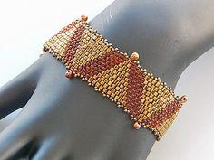 Dreieck-Dekorationen-Armband von Ravit auf Etsy
