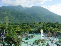 Water Jungle, La Ceiba, Honduras. Como extrano ver esas bellas montanas.