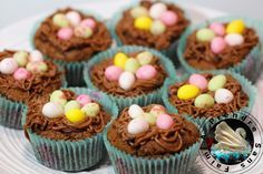 Cupcakes nids de Pâques au chocolat http://www.aprendresansfaim.com/2015/03/cupcakes-nids-de-paques-au-chocolat.html