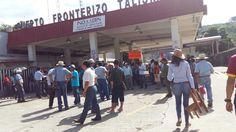 En estos momentos se cierra el tramo carretero Mapastepec - Tapachula por el magisterio de la CNTE