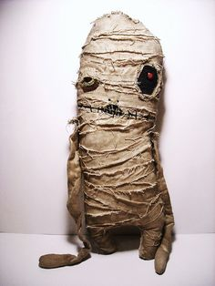 BIG FAN of JunkerJane's scrappy monsters ~ the Mummy