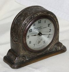 Vintage Gilbert advertising Sundial Shoes mantle clock Winsted Connecticut