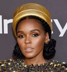 Glossy lipstick is one of biggest makeup trends of Check out how to wear shiny pink and red lipstick with these celebrity red carpet looks. Kesha Makeup, Hair Makeup, Celebrity Beauty, Celebrity Red Carpet, Sarah Nicole, Glossier Lipstick, Issa Rae, Clip In Ponytail, The Emmys