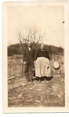 Wells Joseph E Sarah Sturgill Antique by FamilyTreeAntiques Old Pictures, Old Photos, Vintage Photos, Appalachian People, Appalachian Mountains, Kentucky, Joseph, Photographs Of People, Hand Art