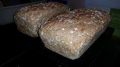 Rezept ( aus Wunderkessel Band 6 ):   500  g Kefir  100 g Wasser  1 Würfel Hefe  1 Tl Zucker  1 EL Salz  550 g  Mehl  200 g Hafer...