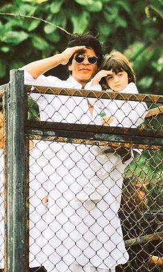 Shah Rukh Khan on Eid 2016 at Mannat