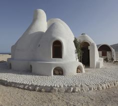 Earth bag, A Nader Khalili-inspired earthen eco resort in southern Oman designed by SSH International won first prize in the Future Projects - Leisure led development Architecture Durable, Sustainable Architecture, Amazing Architecture, Natural Architecture, Classic Architecture, Residential Architecture, Earthship, Natural Building, Green Building
