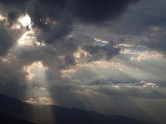 Himalaya, tra pioggia e sole by Mopop, via Flickr