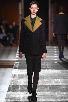 Julien David Fall 2015 Ready-to-Wear Collection Photos - Vogue Julien David, Vogue, Effortless Chic, Fashion Show, Fashion Design, Fashion Ideas, Fall 2015, Catwalk, What To Wear