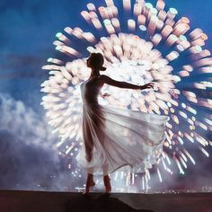 Moscow Firework by Moscow-based photographer Kristina Makeeva Kotleta Timon @ hobopeeba Editorial Shoot, Editorial Photography, Fashion Photography, Sparkler Photography, Editorial Hair, Editorial Fashion, Jolie Photo, Models, Kuala Lumpur