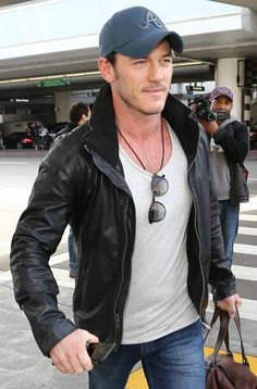 Luke Evans Arrives At LAX Airport, 27 Feb ‹ Luke Evans