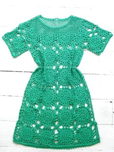 SALE .. Vintage 60s hand CROCHET knitted hippie mod shift tunic Dress S 10 8 GREEN. $60.00, via Etsy.