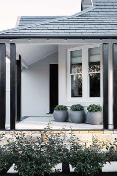 House ideas exterior design front porches ideas for 2019 Facade Design, Architecture Design, Exterior Design, House Design, Door Design, Front Design, Garden Design, Exterior Paint Colors For House, Exterior Colors