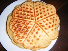 Einfache Waffeln Waffles, Breakfast Recipes, Muffins, Deserts, Food And Drink, Sweets, Cupcakes, Drinks, Clean Eating Meals