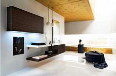 moderne badezimmer dekoideen pendelleuchten hocker regal