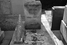 Tomb Of Spanish Civil War Photographer Gerda Taro Alberto Giacometti, William Eggleston, Spanish, Perfume, War, Times, Random, Garden, Google