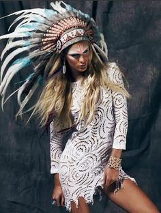Headdress / Lace dress