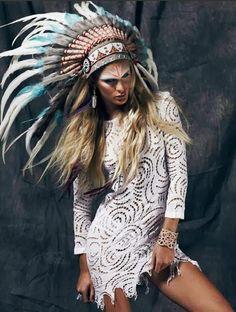 Headdress / Lace dress