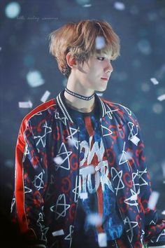 Find images and videos about kpop, exo and baekhyun on We Heart It - the app to get lost in what you love. Kpop Exo, Exo Ot9, Baekhyun Chanyeol, Park Chanyeol, Tao, Exo Memes, Kris Wu, Jimin, Chanbaek