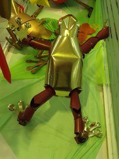 Arborícola Áurea 2.   Jesús Flores.   Basada en la rana verde de ojos rojos:  Agalychnis callidryas